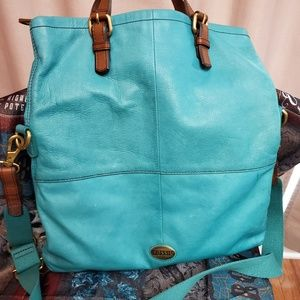 Fossil large leather fold over satchel💗